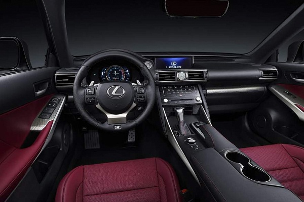 Lexus IS салон